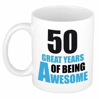 50 great years of being awesome cadeau mok / beker wit en blauw - abraham