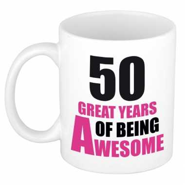 50 great years of being awesome cadeau mok / beker wit en roze - sarah / 50 jaar