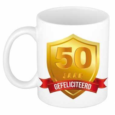 Gouden wapen 50 jaar mok / beker - verjaardag/ jubileum/ getrouwd - cadeaumok abraham / sarah