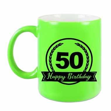Happy birthday 50 years cadeau mok / beker neon groen met wimpel 330 ml