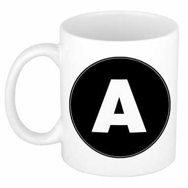 Mok / beker met de letter a voor het maken van een naam / woord of team