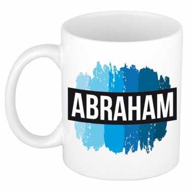 Naam cadeau mok / beker abraham met blauwe verfstrepen 300 ml
