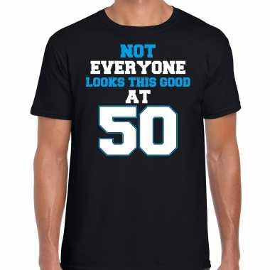 Not everyone looks this good at 50 verjaardag cadeau t-shirt zwart voor heren